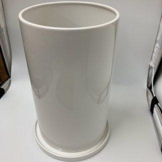 円筒形ホワイト植木鉢斜め上